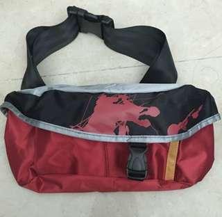 紅色腰bag Marlboro贈品