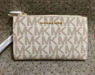MK double zip wristlet wallet. 💯original bought in 🇺🇸outlet! Money back if proven fake! Complete inclusion with gift receipt tag price care card and MK paper bag. Free shipping w/in Phil lng po