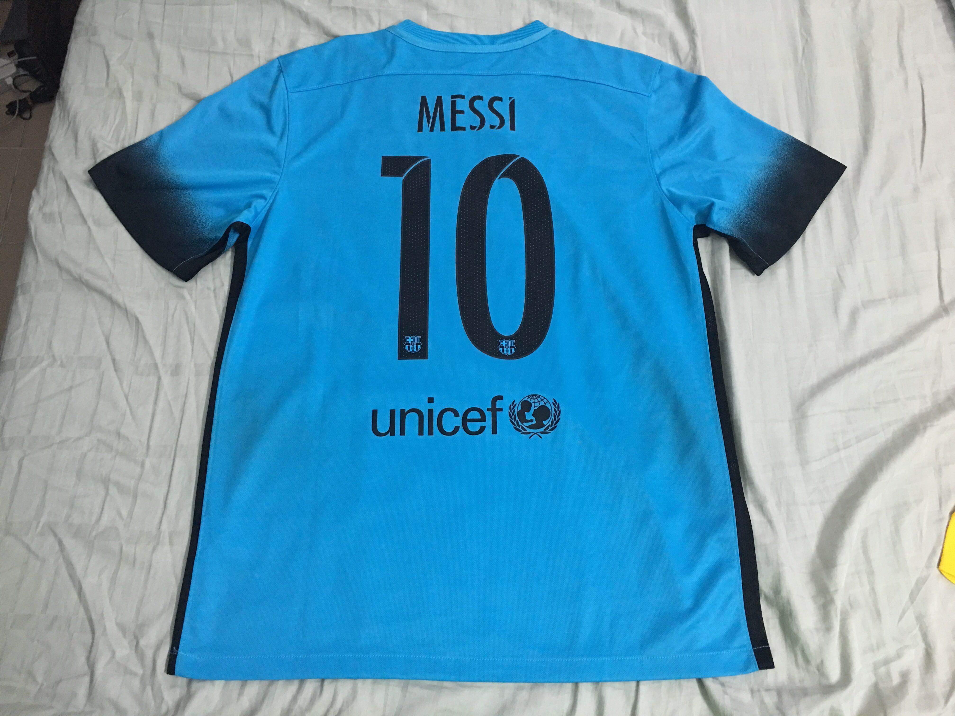 098aef3ac78 Authentic Barcelona 15/16 third jersey MESSI 10, Sports, Athletic ...