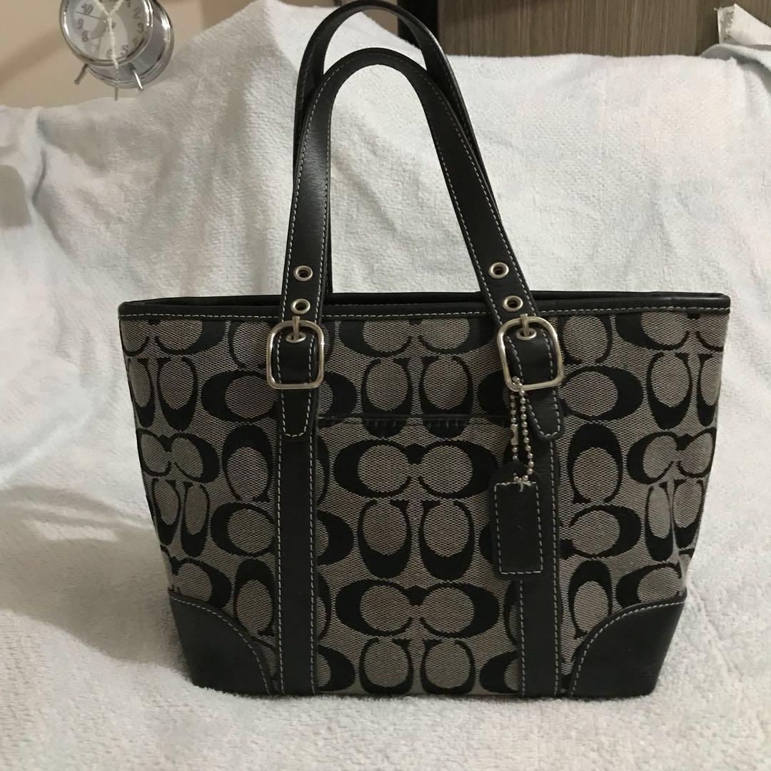 03d9e63567c5 Authentic COACH Signature C in Black Small Tote Bag Purse
