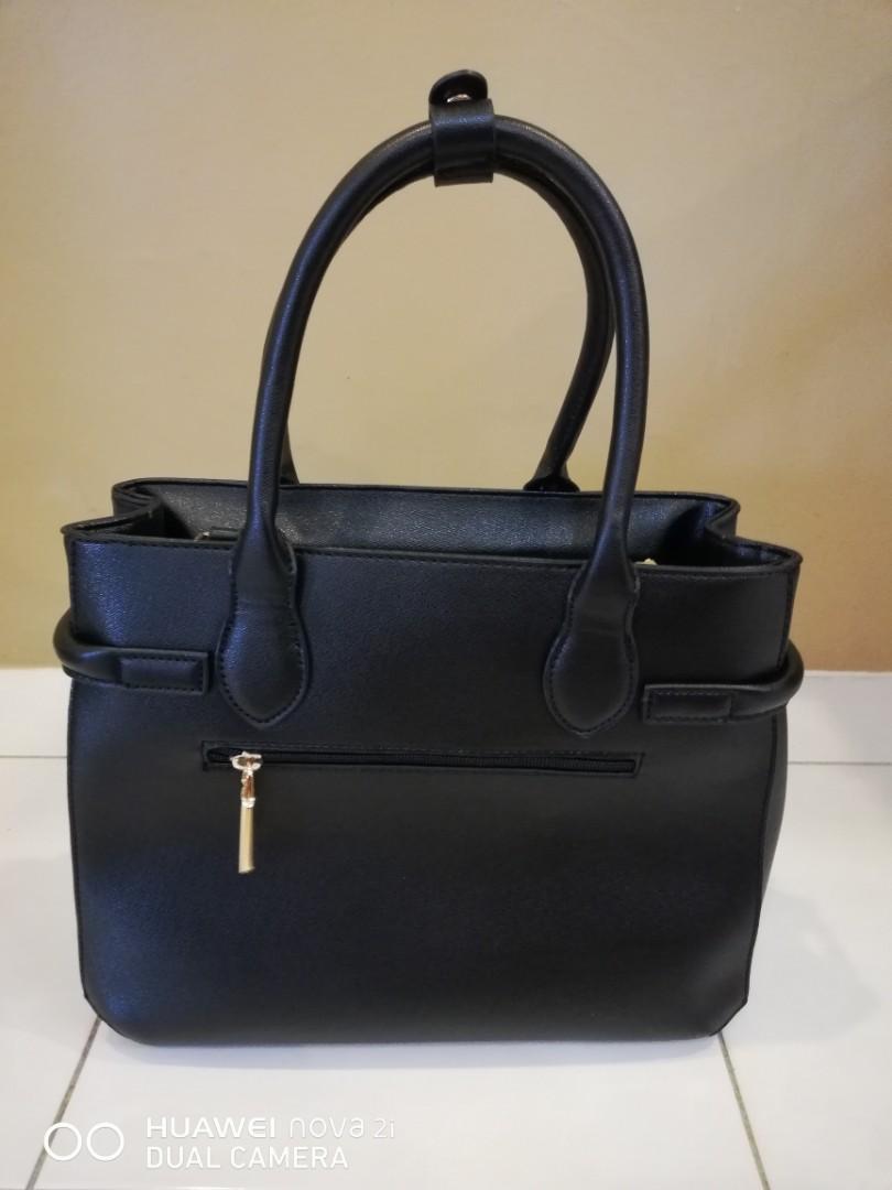 3c36d7193bf HANDBAG RCB POLO CLUB+SLING BAG RCB POLO CLUB, Fesyen Wanita, Beg dan Beg  Duit di Carousell