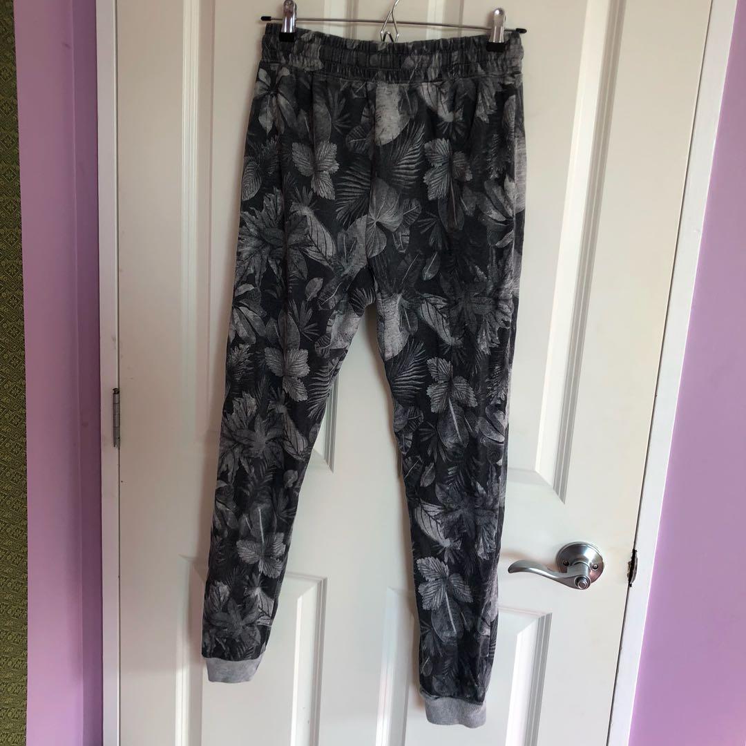 Jungle print sweatpants