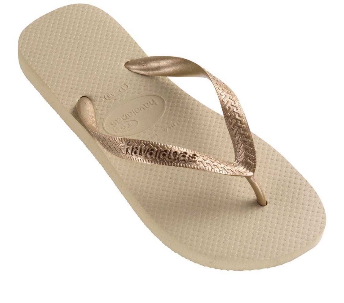 50b7cb9a6ee77 NWT Authentic The Havaianas Top Metalic flip flops in sand grey ...