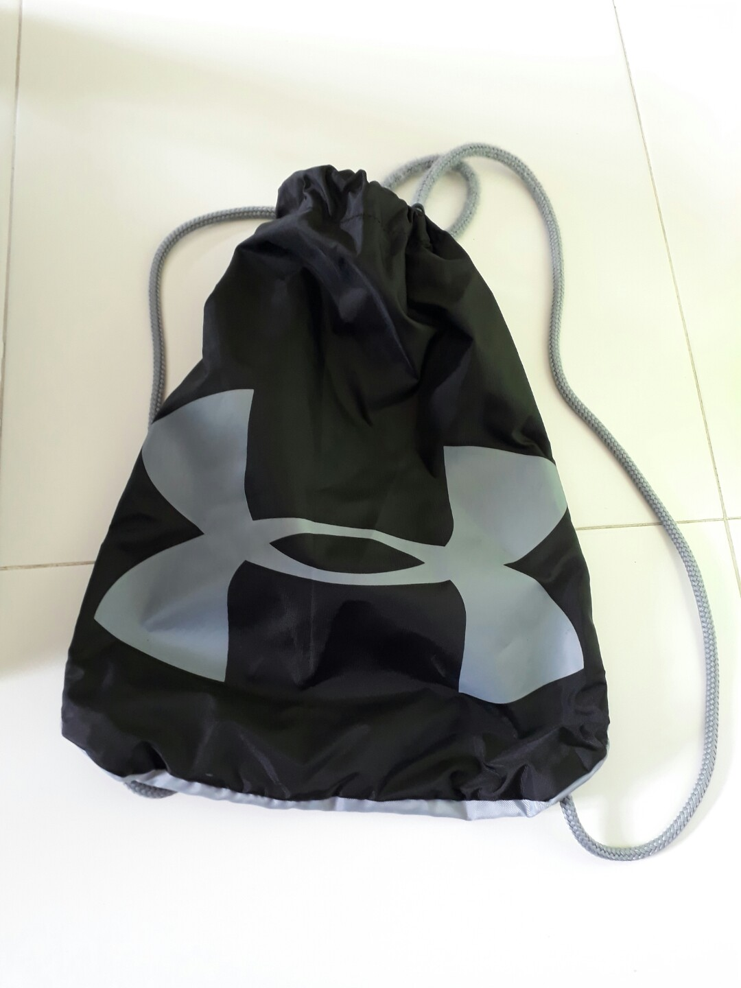 a028d7327c96 Preloved Under Armour Drawstring Bag