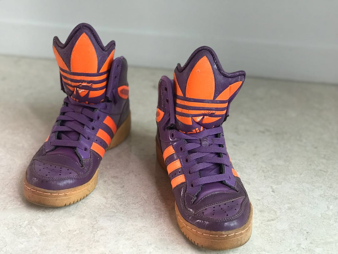 classic fit 2ebde 0d929 Preloved unisex Jeremy Scott Adidas originals purple and orange, Men s  Fashion, Footwear, Sneakers on Carousell