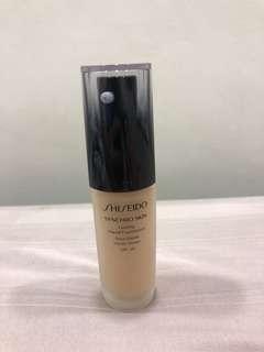 Shiseido Synchro Skin Lasting Liquid Foundation N2