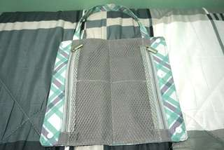 Portable pouch organizer