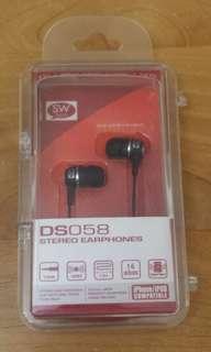DS058 STEREO EARPHONES