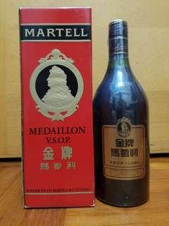 完美品香港經典值得收藏70年代Martell聯合洋行馬爹利短頸沙樽金牌VSOP cognac 70CL