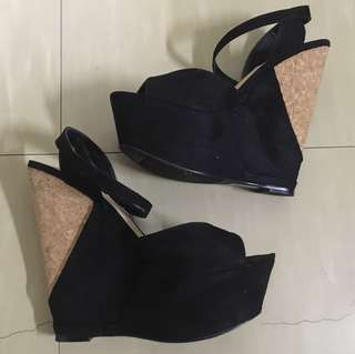 F21 Wedge Size 5