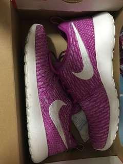 🚚 Nike 運動鞋