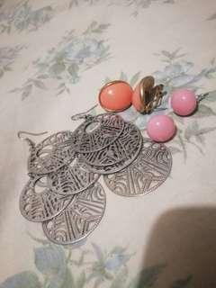 Preloved earrings (bundle of 3)