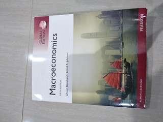 Buku Macroeconomics international Pearson