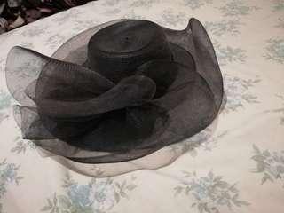Preloved hat (black)