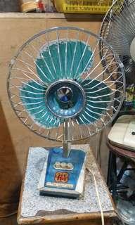 70年代上海華生牌小型枱風扇
