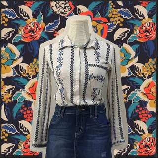 Embroidered floral longsleeves buttondown semi cropped