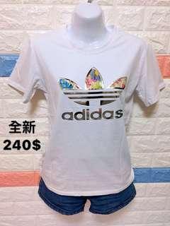 🚚 Adidas 圖樣上衣T恤