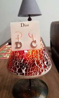 Dior Letter earrings 字母耳環