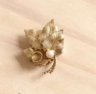 Autumn Leaves with Faux Pearl brooch