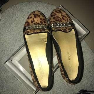 Flatshoes macan Payless
