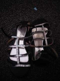 Pavement shoes size 34