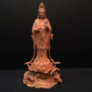 樟木雕 《西方三圣》观音菩萨 高 16寸 宽 8寸 厚 5寸 全手工雕 不单卖 $800为三樽一套的价格