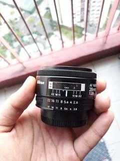 Lensa AF Nikkor 28mm F/2.8
