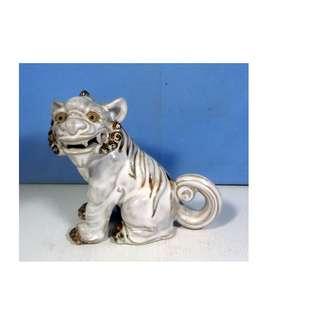 Antique ceramic Southern China foo dog fine details circa 1960s retired rare