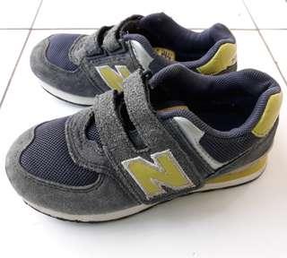 Sepatu Anak NB New Balance Original Preloved