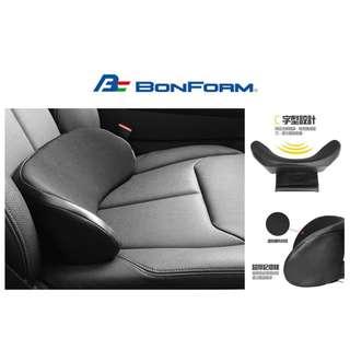 🚚 權世界@汽車用品 日本 BONFORM 車用高彈棉 皮革+透氣網布 C字型 止滑棒固定式舒適腰靠墊 B5334-76