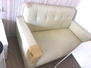 免費贈送需自取 雙人皮革小沙發