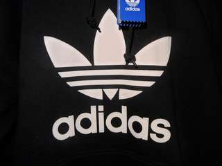 BRAND NEW ADIDAS HOODIE LARGE *free shipping* Taking Offers!