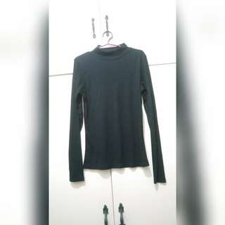WA720 Black Cotton Turtleneck Blouse / Sweatshirt (Small)