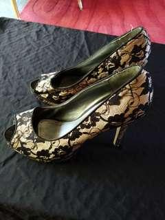 Size 8, 4 inch heels