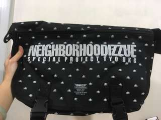 Neighborhood & Izzue 合作款斜咩袋