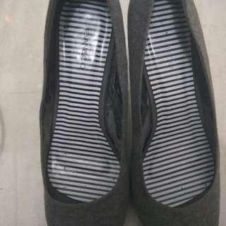 Urban & Co Grey heels