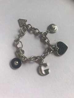 GUESS. Charm bracelet