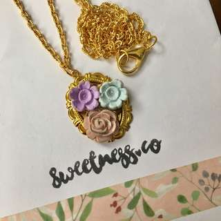 Handmade floral gold necklace