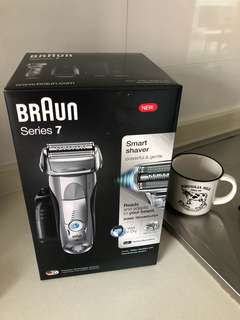 Braun Series 7 model 7899cc (include clean and charge station) (new and sealed)