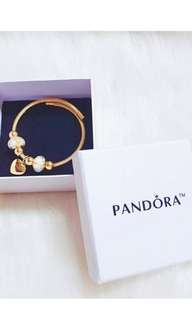 Heart charm gold. Bangle bracelet