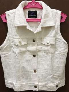 REPRICED! Plains & Prints White Buttoned Top
