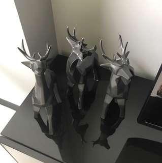 Hex deer decor