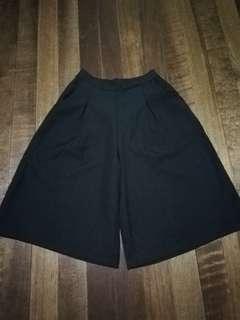 Black square pants