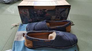 全新toms 稀有牛仔款輕便鞋 超有型