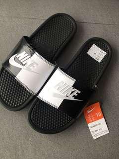 Nike Benassi Black/White 10