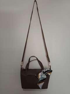 Sling bag / Handbag