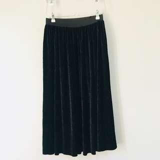 Long Black Velvet Pleated Skirt