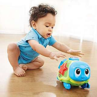Little Tikes Crawl n' pop turtle