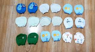 Preloved infant mittens - 20 each pair