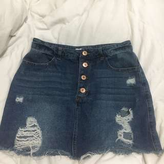F21 DENIM SKIRT SIZE 26